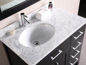 Beyaz Mermer Tezgahlı Banyo Dolabı