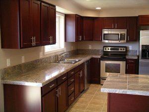 Granit Tezgah Ahşap Mutfak Dolabı Modeli