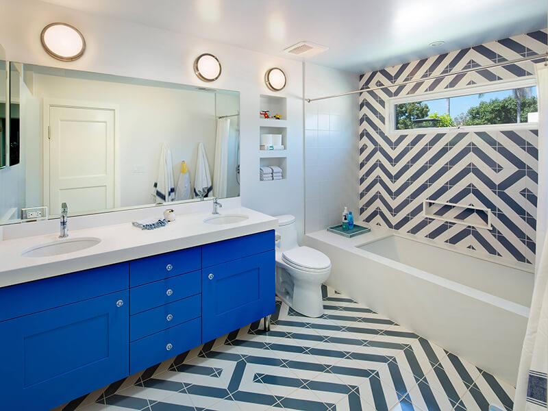 Aynalı Mavi Renk Banyo Dolabı