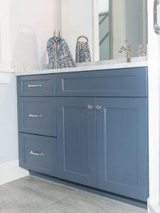 3 Çekmeceli Mavi Renk Banyo Dolabı