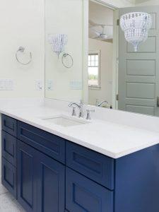 Kulpsuz Mavi Renk Banyo Dolabı