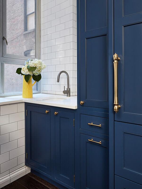 Bronz Kulplu Mavi Renk Banyo Dolabı