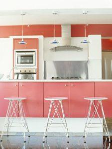 Beyaz Pembe Mutfak Dekorasyonu