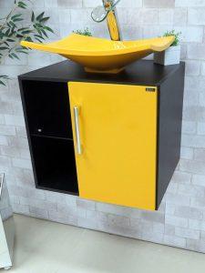Yayvan Lavabolu Sarı Renk Banyo Dolabı Modeli