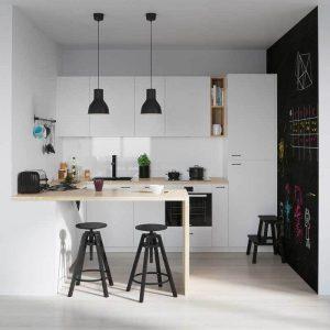 Bohem Tarz siyah beyaz mutfak dolapları