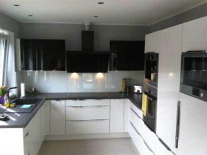Retro Tarzı siyah beyaz mutfak dolapları
