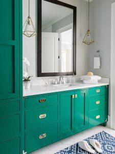 Büyük Aynalı Yeşil Renk Banyo Dolabı Modeli