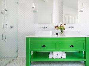 Canlı Yeşil Renk Banyo Dolabı Modeli