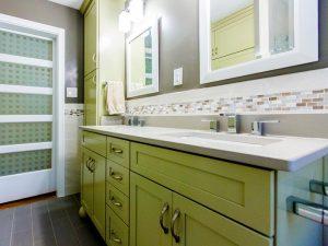 Çift Lavabolu Yeşil Renk Banyo Dolabı Modeli