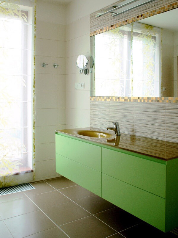 Kulpsuz Yeşil Renk Banyo Dolabı Modeli