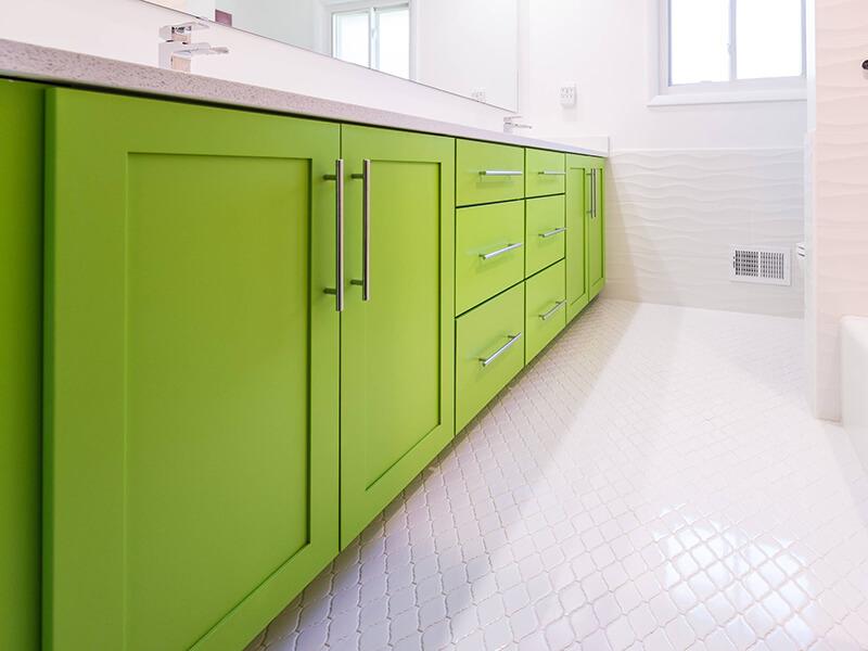 4 Kapaklı Yeşil Renk Banyo Dolabı Modeli