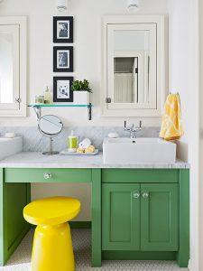 Makyaj Alanlı Yeşil Renk Banyo Dolabı Modeli