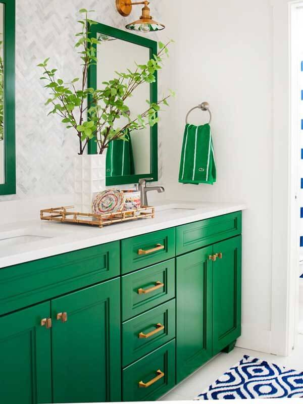 Bronz Kulplu Yeşil Renk Banyo Dolabı Modeli