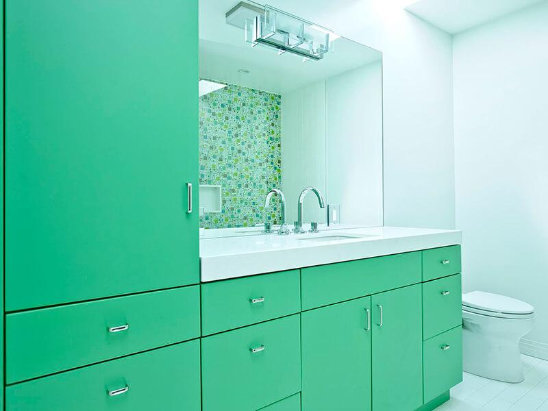 Büyük Banyo İçin Yeşil Renk Banyo Dolabı Modeli