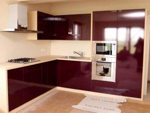 bordo beyaz mutfak dolabı modeli