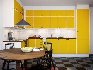 beyaz sarı mutfak dolabı