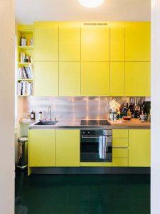 sarı gri mutfak dolabı