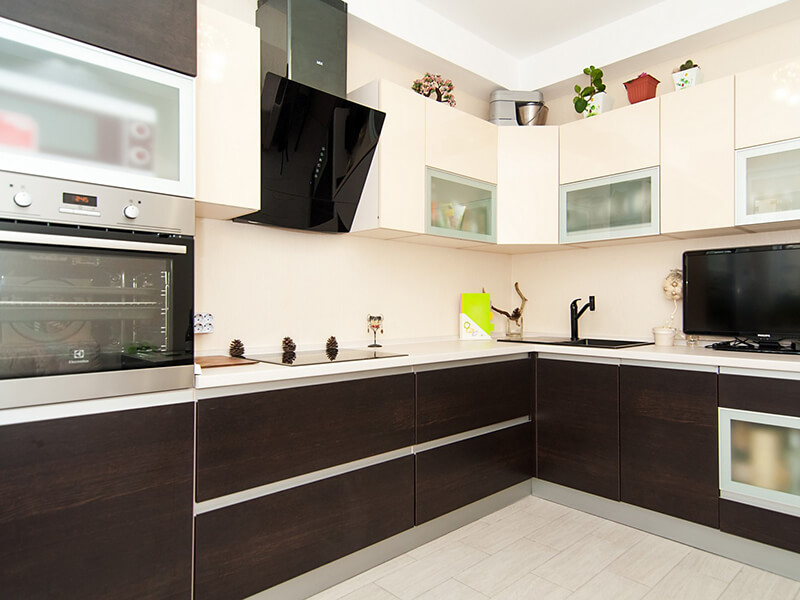 Güzelçamlı Akrilik Mutfak Dolabı Modeli