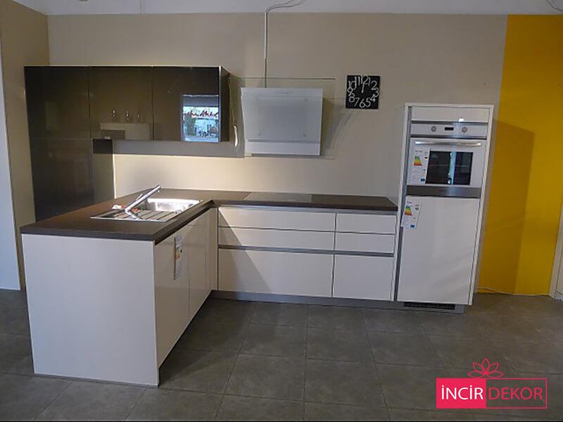 Akrilik Beyaz Mutfak Dolabı Modeli 5